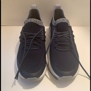 NWOT Cole Haan Snaekers